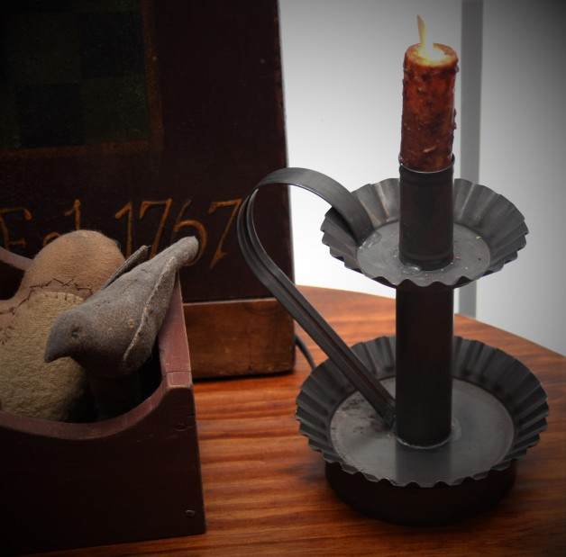 Electric tin candle holder with handle