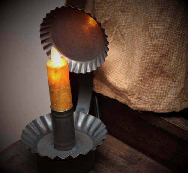 Electric tin candle holder with reflector