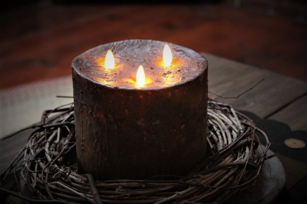 6 x 6″ Moving flame candle Brown