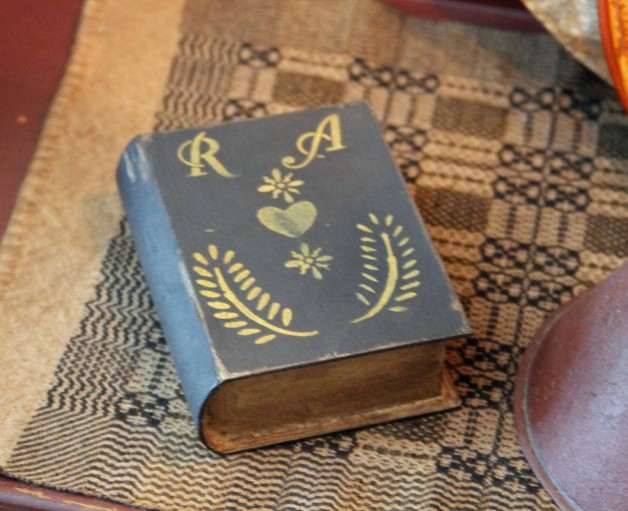 Small book box (RA)