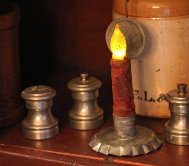 Aged tin small candle holder with reflector