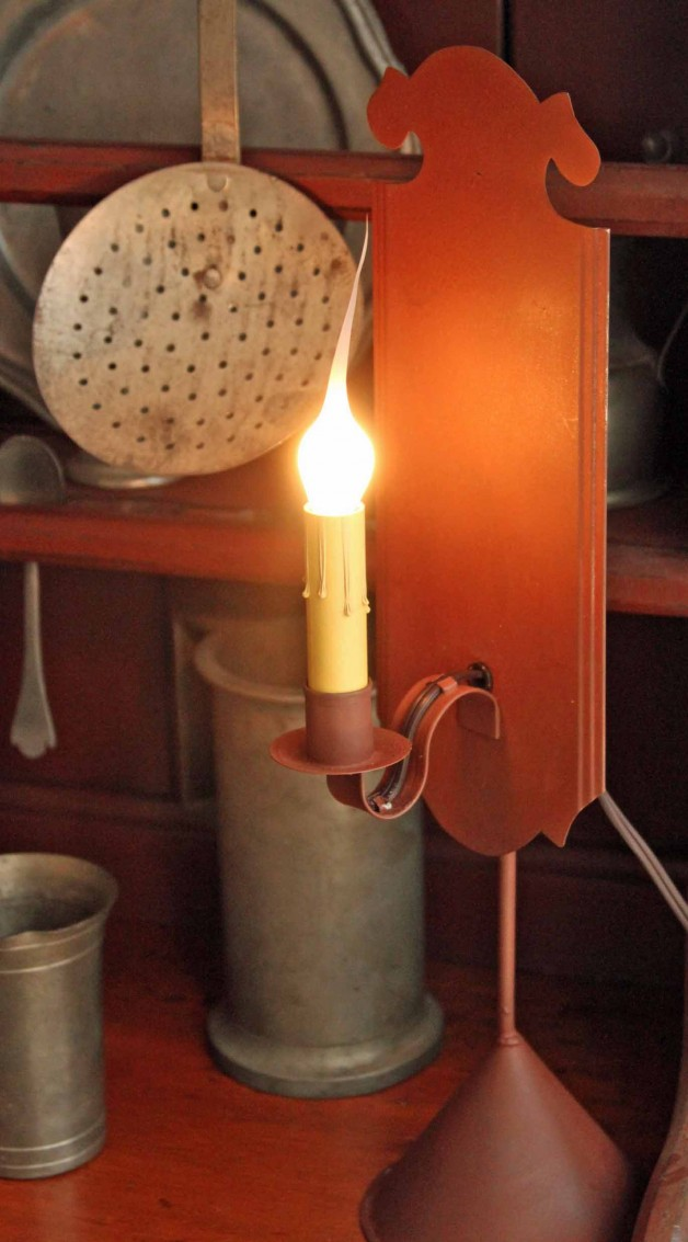 Chippendale light