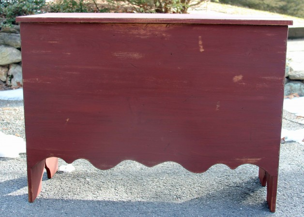 Scroll Front Blanket Chest