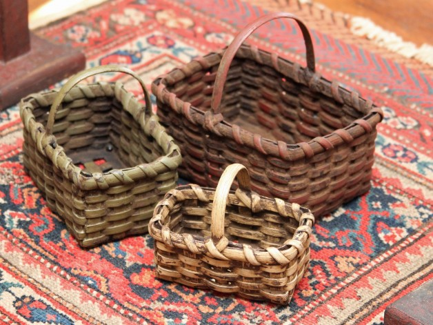 Small rectangular nest of baskets