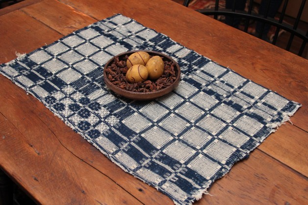 Coverlet piece 1840 navy/white block design