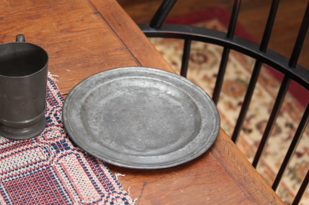 "Early 1800's ""London"" pewter plate 8″"