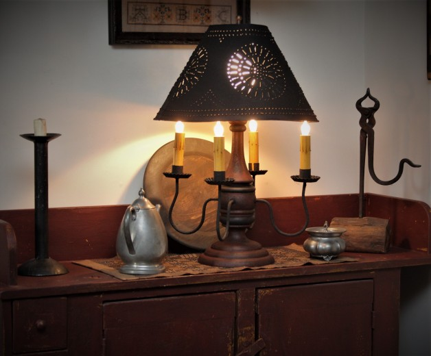 Jamestown lamp